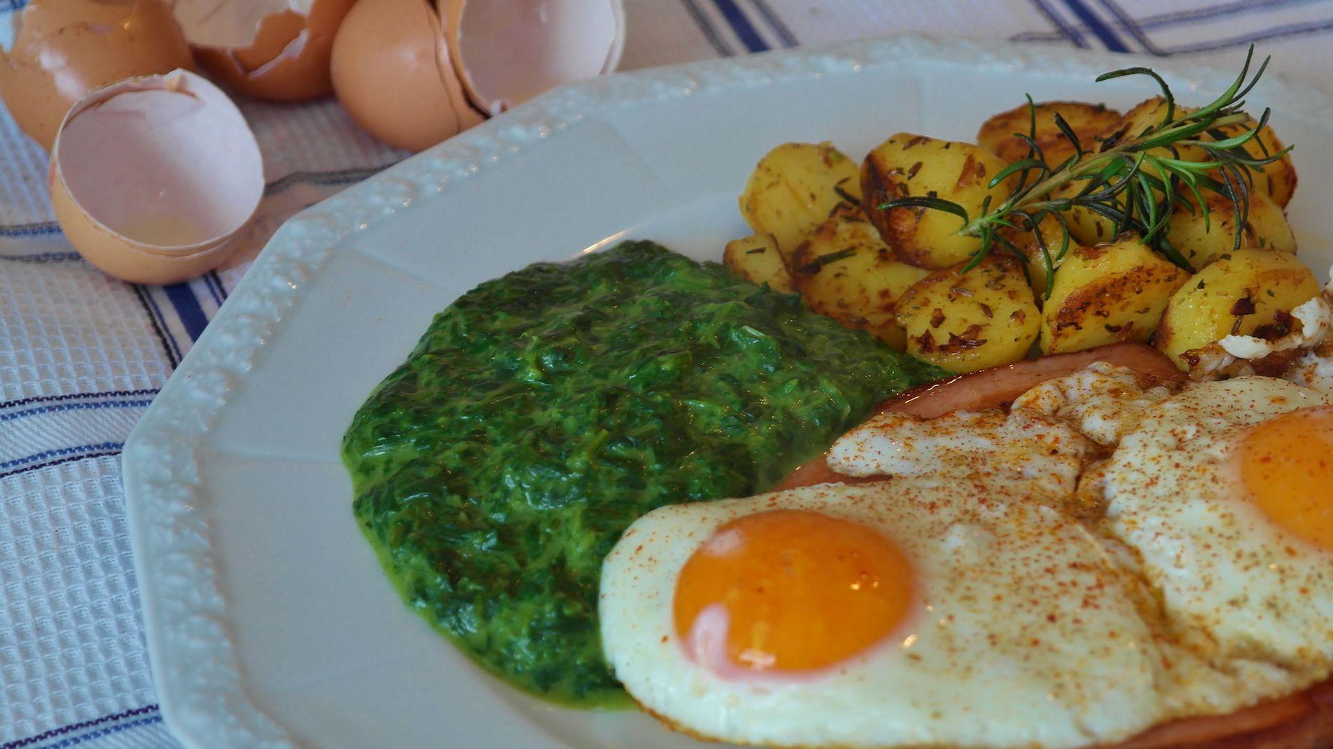 Z dvema jajcema in špinačo lahko pokrijemo polovico dnevnih potreb po magneziju. Športnik mora seveda dodati še kako jajce in dodatno žlico zelenjave.