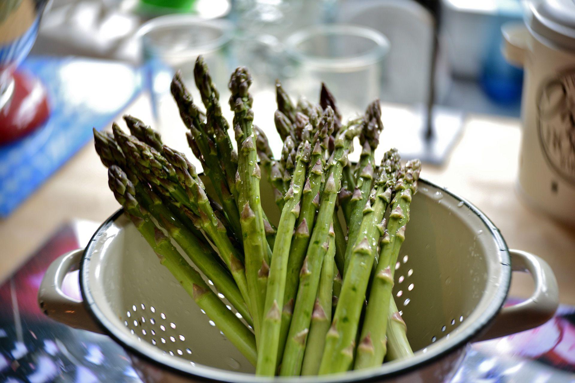 Spomladi v kuhinji uporabimo šparglje, ki so odličen prebiotik