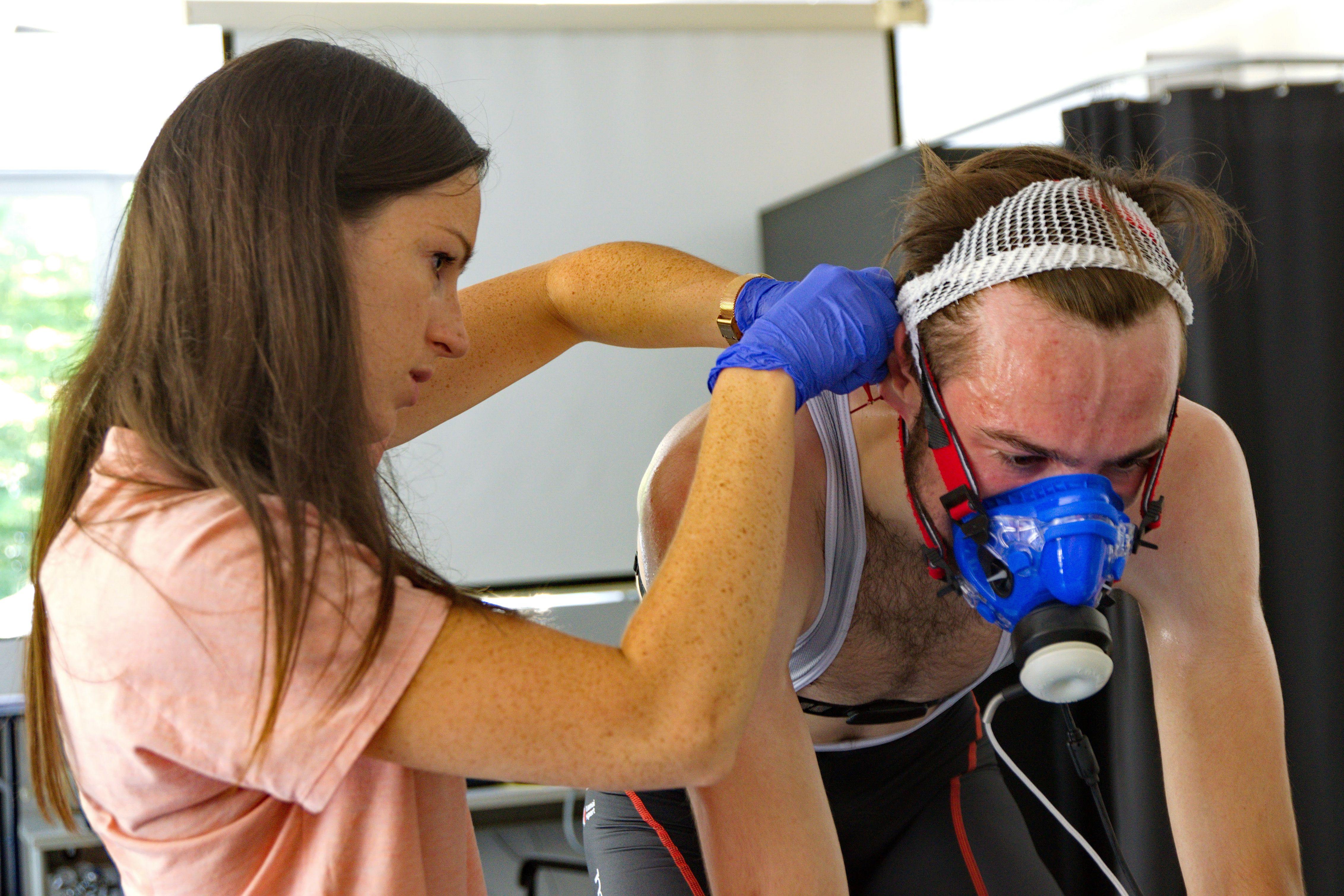 Iva Jurov se je po študiju medicine usmerila v medicino športa, približno polovico raziskovalnega dela na Fakulteti za šport pa zdaj posveča prehrani.
